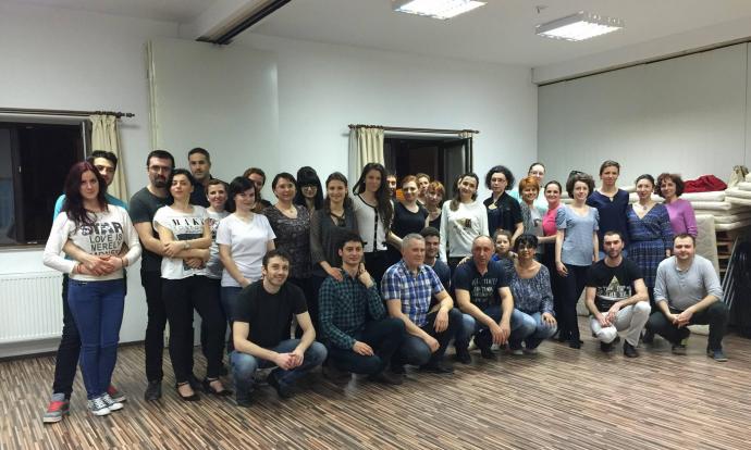 2015-04-22 13_31_25-(6) Raluca Elisei